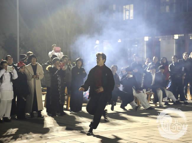 炫酷的MJ舞蹈表演震惊全场
