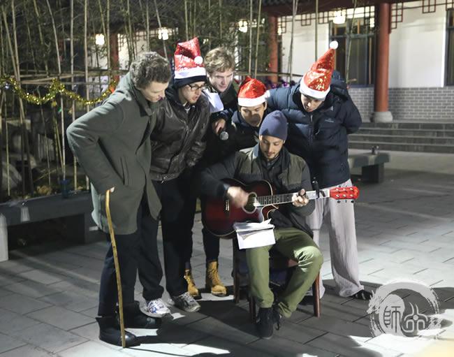 师行武馆2014圣诞晚会国外学员合唱