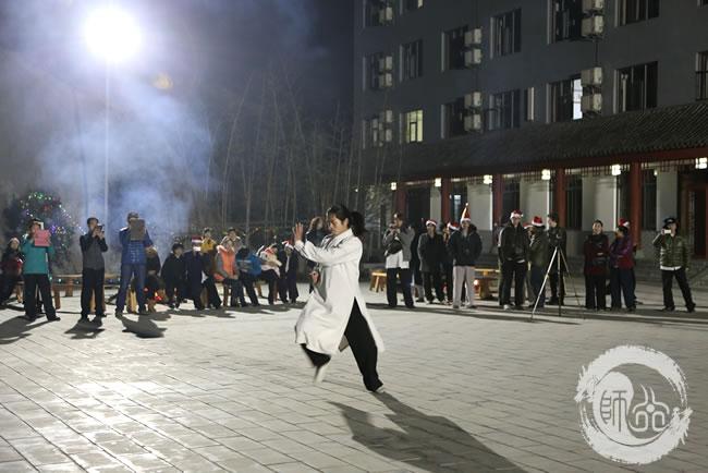 学员表演龙华拳