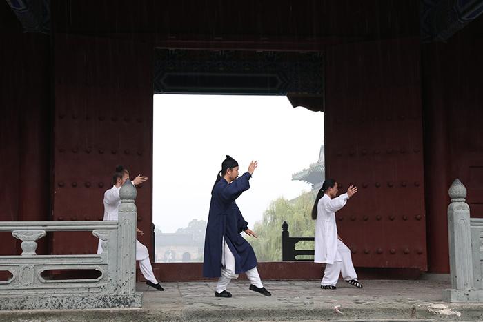 师行武馆参与央视《魅力中国城》节目拍摄