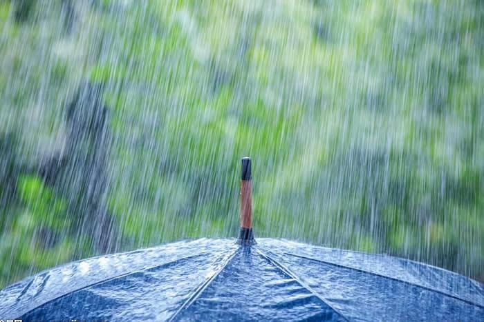 秋季阴雨天 养生要注意颈腰脚保暖